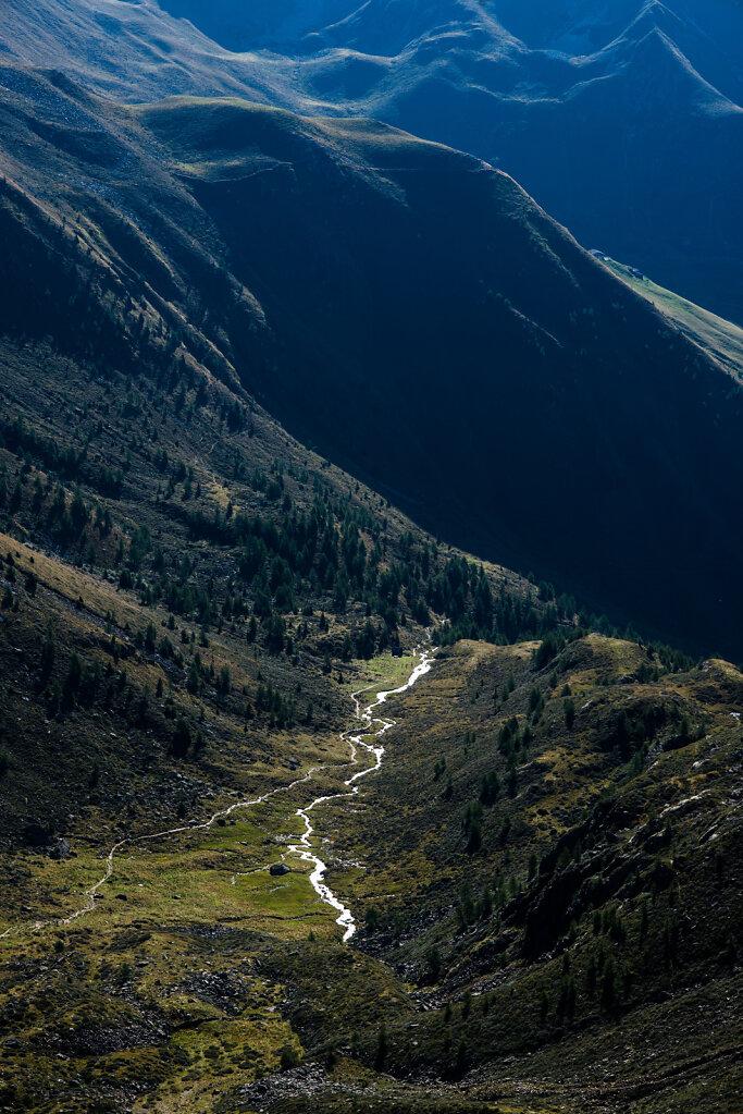 Bach im Tal, Tiefrastenhütte, Terenten